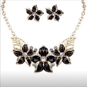 Floral necklace and earrings (black)